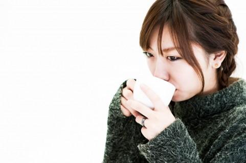 更年期に口が乾く、喉が渇くといった症状について
